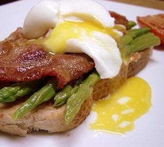 Breakfast # 7: Soft boiled egg with asparagus on toast