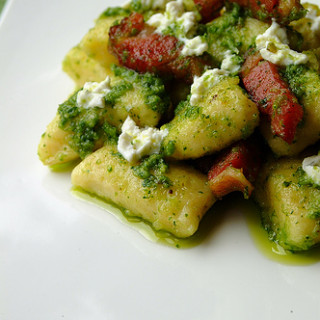 HHDD #14: Gnocchi with Rocket Pesto & Tyrolean Bacon