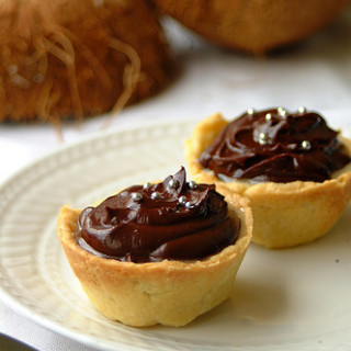 HHDD #18: Coconut Chocolate Tarts