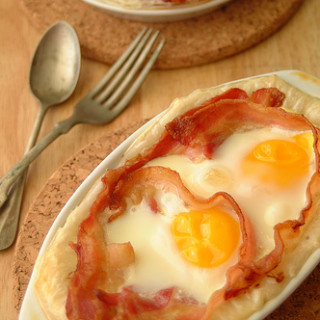 Breakfast #17: Bacon and Egg Pies