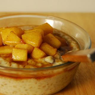 Breakfast #30: Maple Steel Cut Oats with Cinnamon Apples